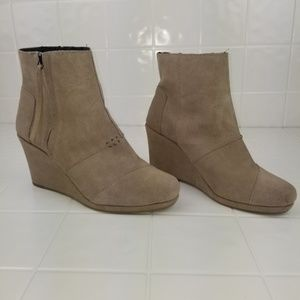 Toms Shoes - Toms size 8.5W wedge booties